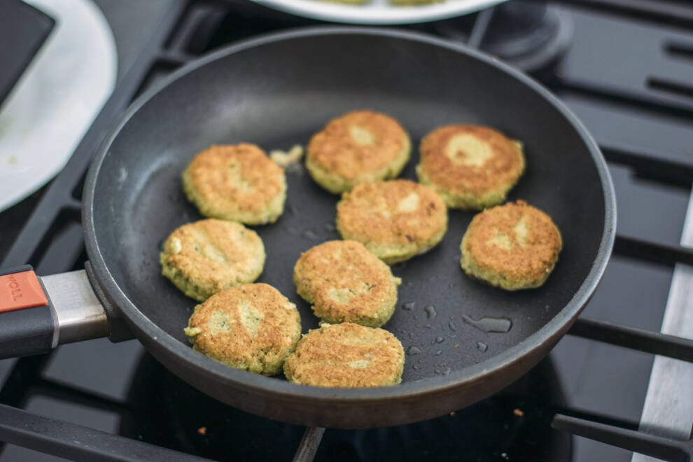 3 Arten Falafel einfach zuhause zu machen: Falafel in der Pfanne