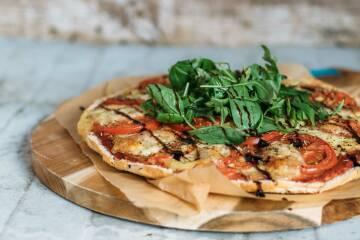 3 fladenbrot-pizza-tomate-mozzarella-10