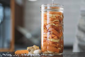 Anleitung Fermentieren: Ingwer Karotten im Glas