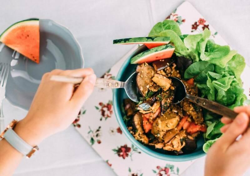 Auberginen-Minz-Salat