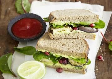Avocado-Minz-Sandwich