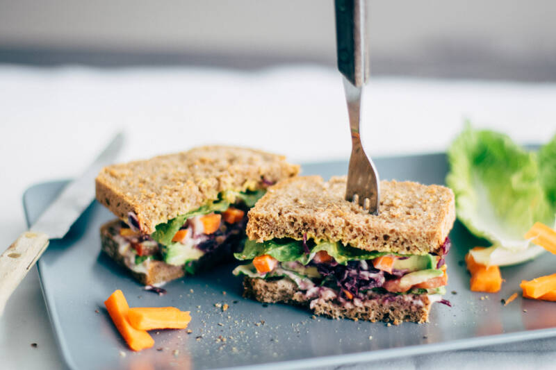 Avocado-Veggie-Deluxe Sandwich