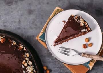 Backen mit Kokosöl: Schokoladenkuchen mit Schokoglasur