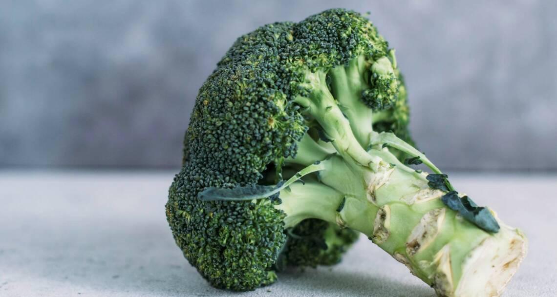 Brokkoli dämpfen & dünsten: So bleiben die Vitamine drin