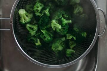 brokkoli-mit-mandelplättchen-und-fetakäse S7