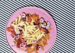 Bunter Nudelsalat mit Schinken