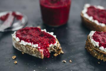 Chia Marmelade: Chia Marmelade auf Brot