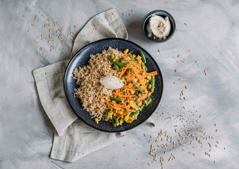 Cremige Gemüsepfanne mit Reis aus dem Corona-Kochplan.
