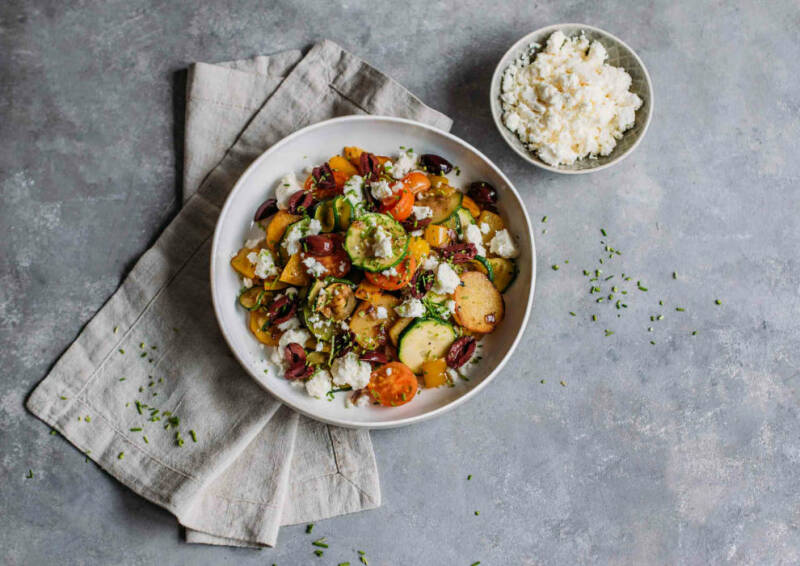 Gemüse-Pfanne mit Feta aus dem Corona-Kochplan.