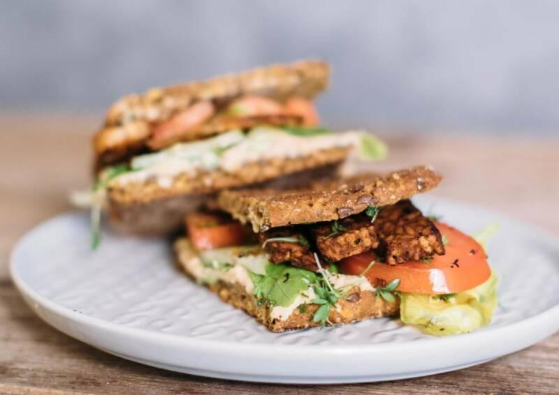 Crispy Tempeh Sandwich