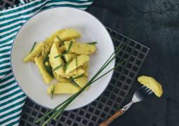 Curry Kartoffeln von oben mit Schnittlauch