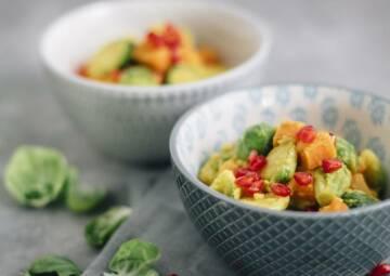 Curry mit Süßkartoffeln und Rosenkohl