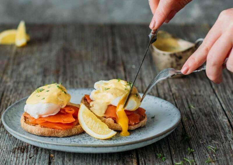 Eggs Benedict mit Lachs