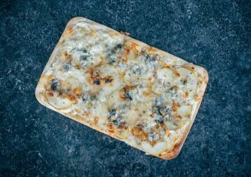 Flammkuchen Birne Gorgonzola