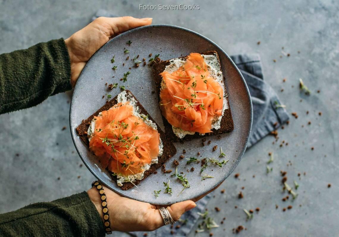 Flexitarisches Rezept: Fitness Brot Lachs und Frischkäse
