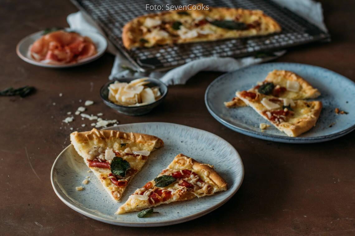 Flexitarisches Rezept: Pizza mit Parmaschinken