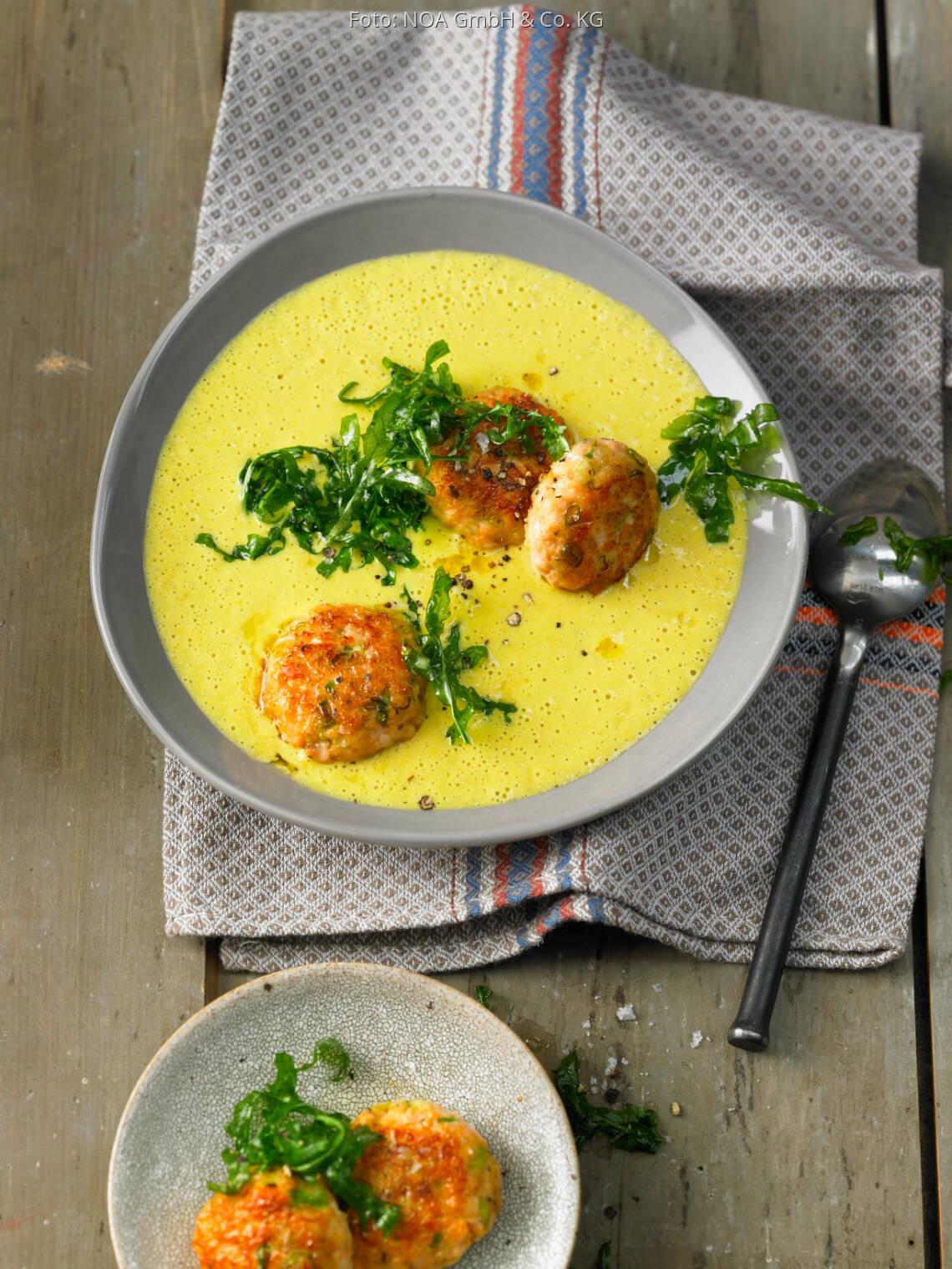 Flexitarisches Rezept: Schaumige Curry-Suppe