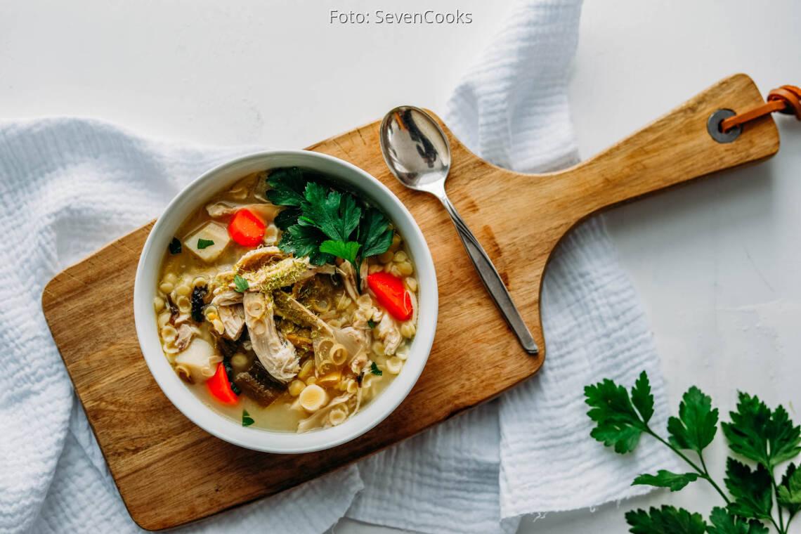 Flexitarisches Rezept: Selfmade Hühnersuppe mit Zitronengras 1