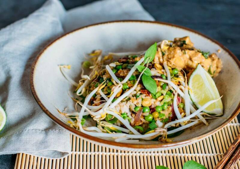 Gebratener Reis mit Erdnuss-Tofu