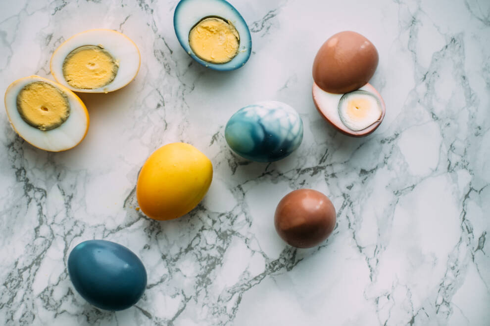 Gefärbte Eier ohne Schale