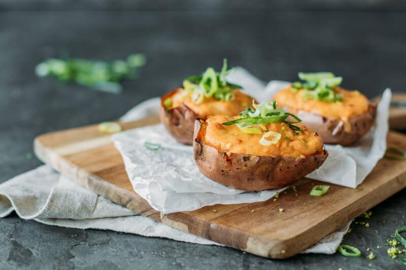 Gefüllte Ofensüßkartoffel