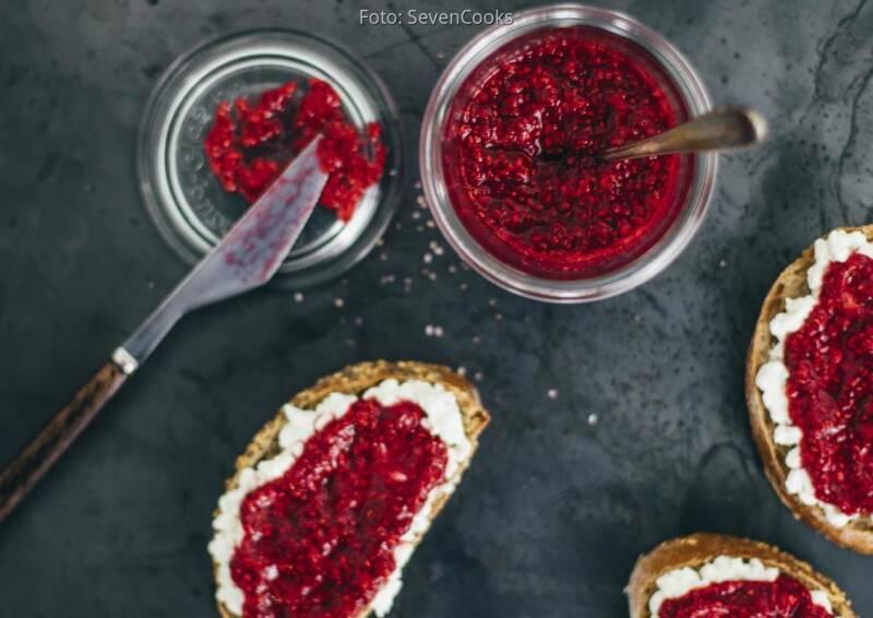 Geschenke aus der Küche: himbeer chia marmelade