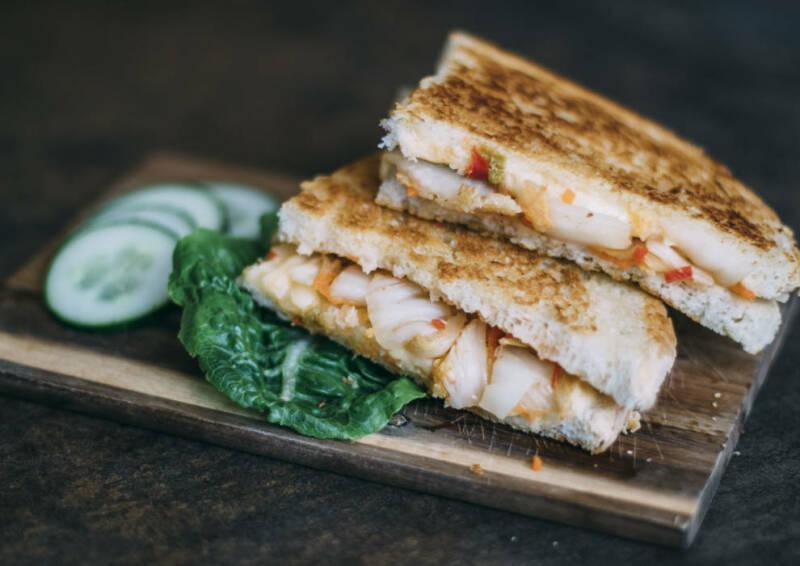 Grilled Cheese Sandwich mit Sandwich