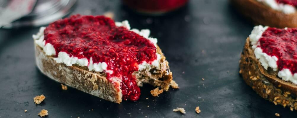 Kalorienbomben ersetzen: Leichte Alternativen zu klassischen Lebensmitteln