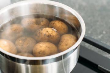 Kartoffel auf dem Herd