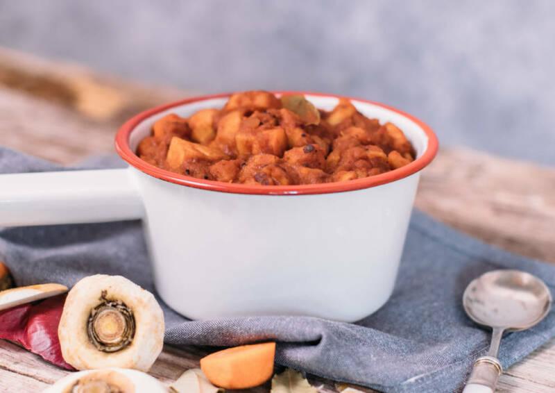 Kartoffel-Pastinaken Gulasch