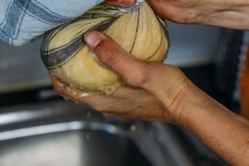 Kartoffelabrieb ausdrücken