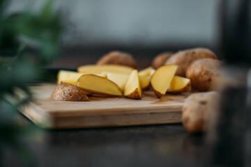 Kartoffeln aufgeschnitten