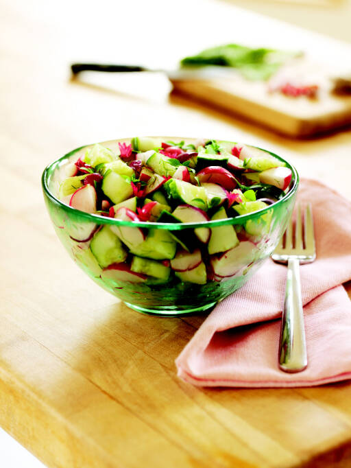Gurken-Radieschen-Avocado-Salat