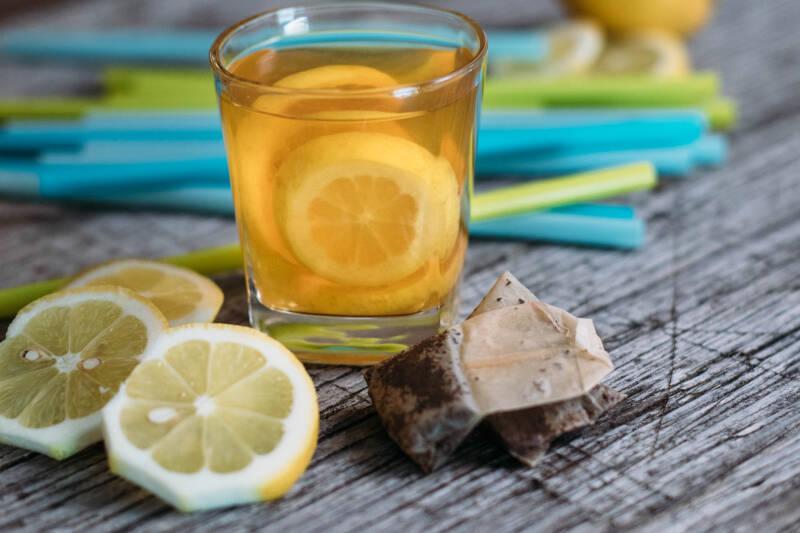 Klassischer Eistee mit Zitrone