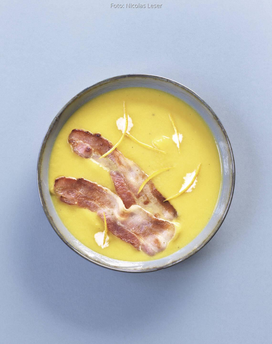 Kürbissuppe mit knusprigem Speck