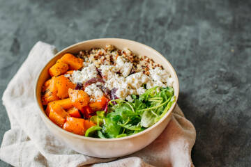 Kürbis Quinoa Bowl