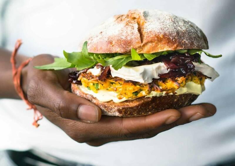 kuerbisburger mit zwiebel confit-1030495-700-990-0