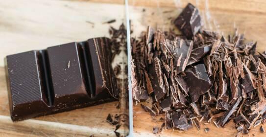 In Schokolade mit einem hohen Kakaoanteil ist ein großer Anteil Magnesium enthalten.