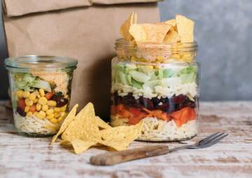 Mexikanischer Kritharaki Nudelsalat im Glas