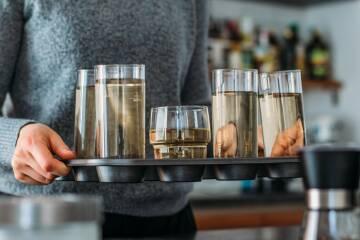 Muffinform als Tablett für Gläser