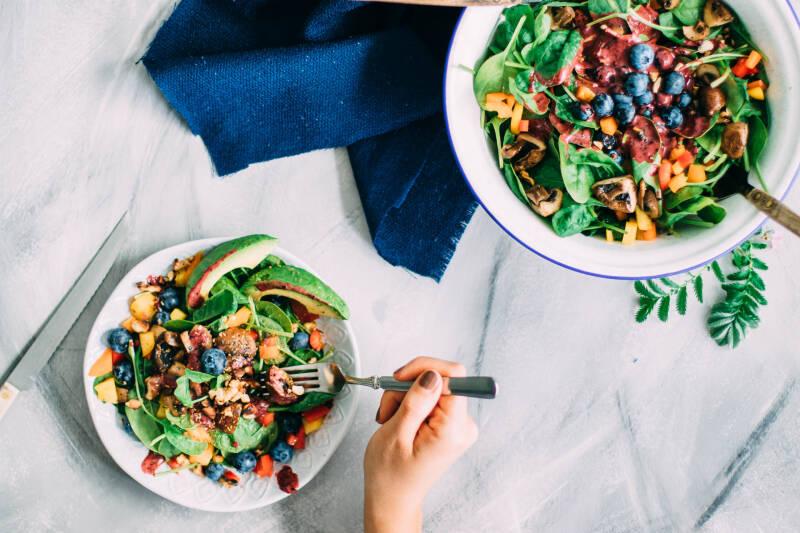 News der Woche - 5 Lebensmittel, die klüger machen: Spinatsalat