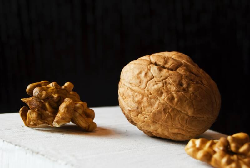 nuts-walnuts-8839