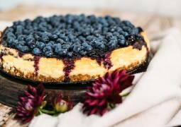 Cheesecake mit Heidelbeertopping