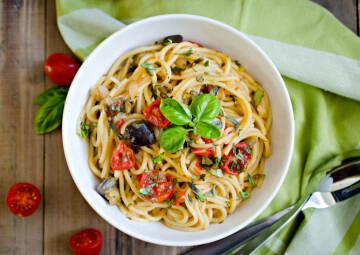 one pot pasta mit aubergine und cocktailtomaten-1017522-700-990-0