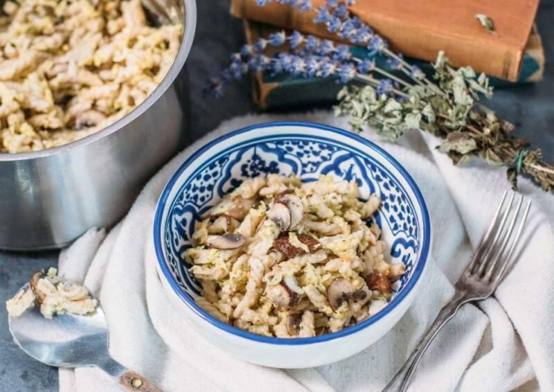 One Pot Pasta mit Wirsing und Pilzen
