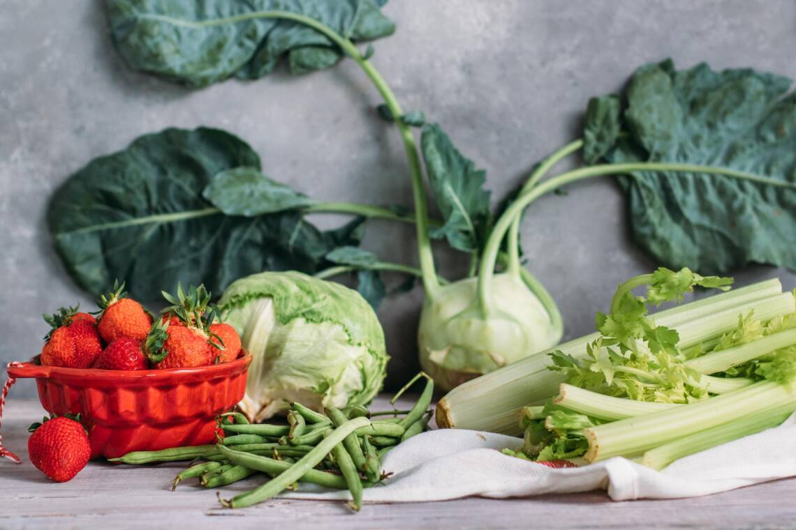 Saisonales Obst und Gemüse im Juni: Diese Zutaten gibt's aus der Region