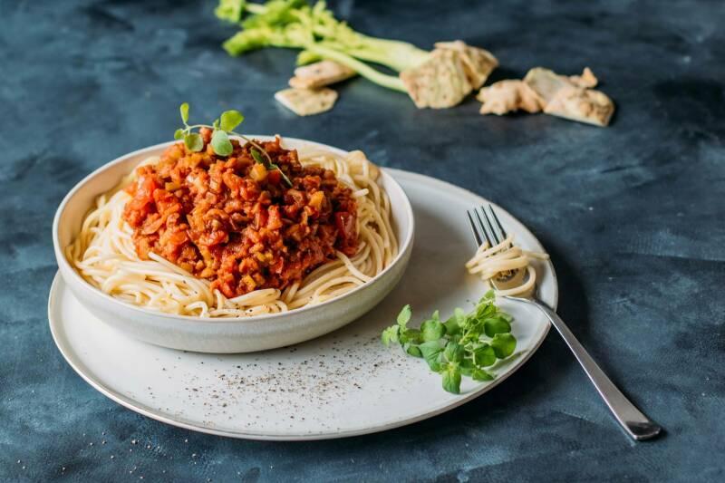Spaghetti mit Selleriebolognese