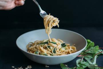 Spaghetti mit Zucchini-Sahne-Soße