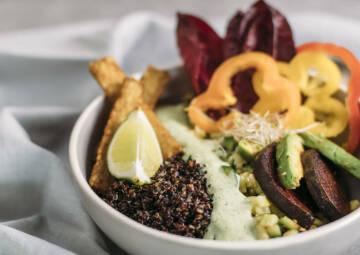 Südamerikanisch Quinoa-Bowl