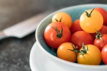 tomaten-halbieren